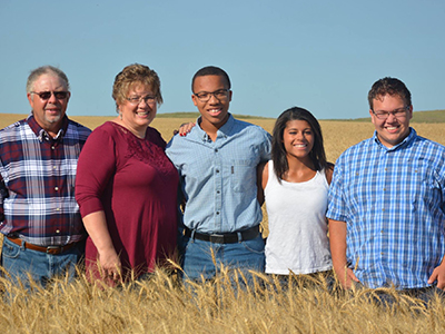 Image of Linda Gutschmidt and her family. Linda shares her breast cancer journey that she recently ventured through.
