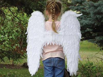 Sorlie girl in ANGEL wings